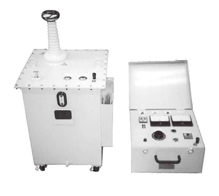 OT-05D50M(左:高圧変圧器部、右:制御操作部)