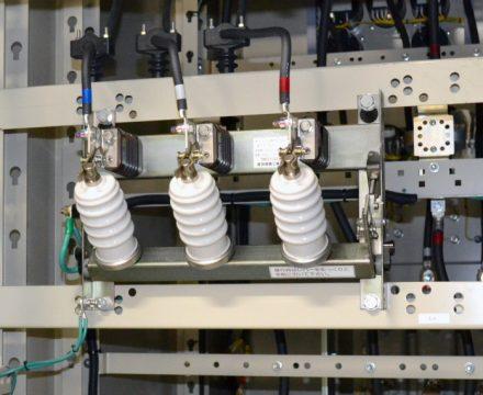 3.3kV,6.6kVキュービクル用 断路機構付き避雷器