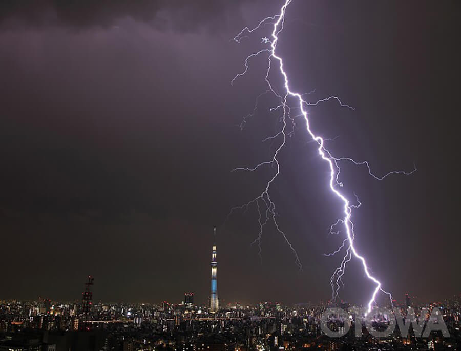 第10回 雷写真コンテスト受賞作品 銀賞 -スカイツリーと稲妻-