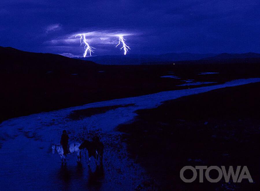 第2回 雷写真コンテスト受賞作品 佳作 -夕暮れのモンゴル平原-