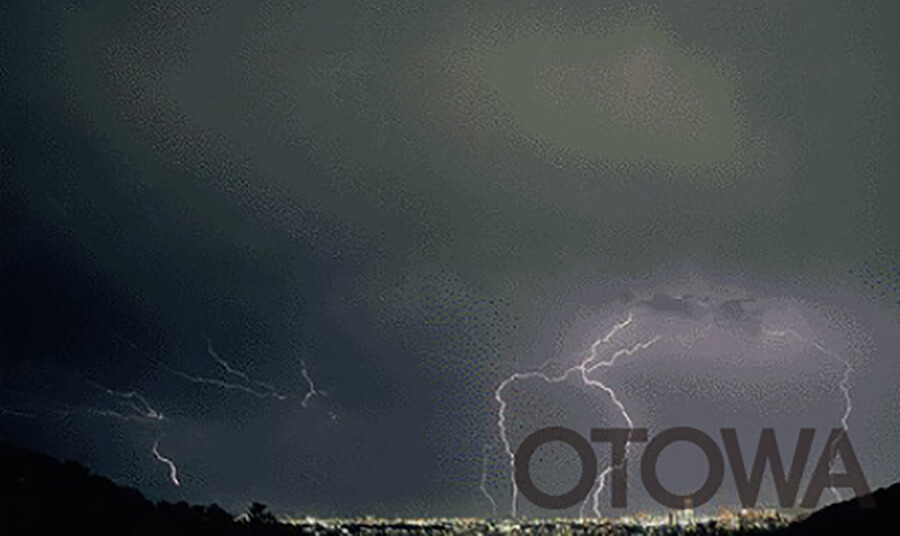 第4回 雷写真コンテスト受賞作品 佳作 -札幌の嵐-