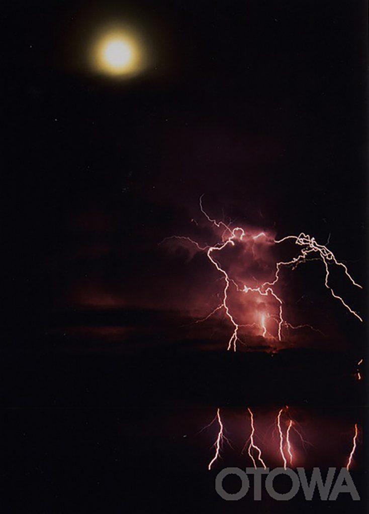 第2回 雷写真コンテスト受賞作品 佳作 -月下雷光-