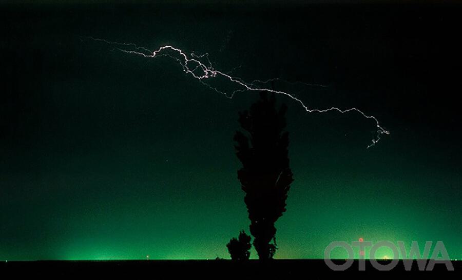 第3回 雷写真コンテスト受賞作品 佳作 -雷光きらめく-