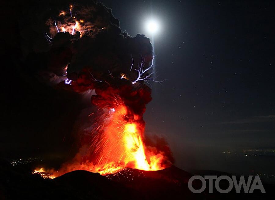 第11回 雷写真コンテスト受賞作品 優秀作品 -地球の呼吸-