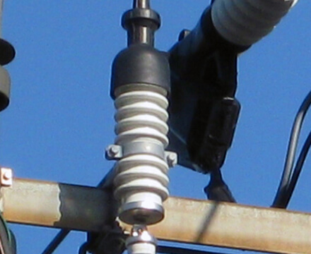 3.3kV, 6.6kV配電用避雷器
